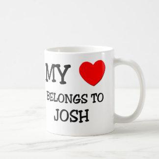 私のハートはJoshに属します コーヒーマグカップ