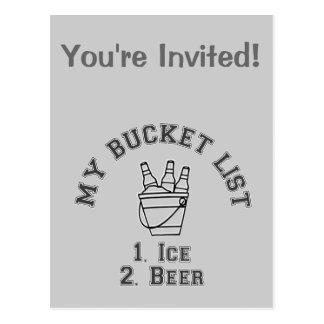 私のバケツのリストのユーモア-氷及びビール ポストカード