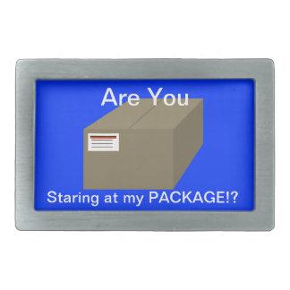 私のパッケージの男性用ベルトの留め金を凝視しているあります 長方形ベルトバックル