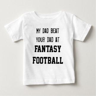 私のパパのビートファンタジーのフットボールのあなたのパパ ベビーTシャツ