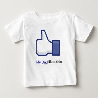 私のパパはこれを好みます ベビーTシャツ