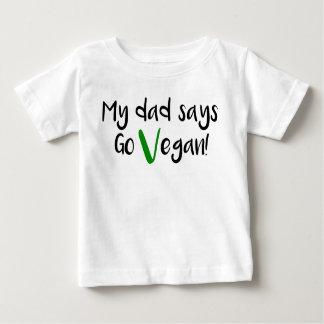 """""""私のパパは行きます言いますビーガン! """"ベビーのワイシャツ ベビーTシャツ"""