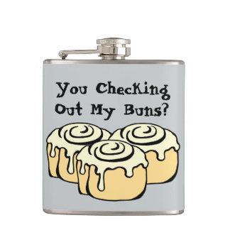 私のパンを点検しているか。 おもしろいなシナモンロールの灰色 フラスク