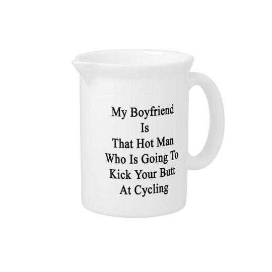 私のボーイフレンドは蹴ろうとしているその熱い人です ドリンクピッチャー