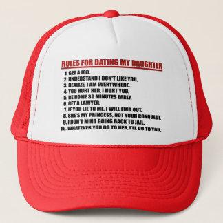 私の娘に赤いトラック運転手の帽子と日付を記入するための規則 キャップ