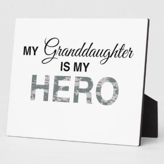私の孫娘は英雄のデジタル私のカムフラージュです フォトプラーク