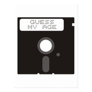 私の年齢を推測して下さい。 フロッピー・ディスクおもしろいで古いコンピュータ ポストカード