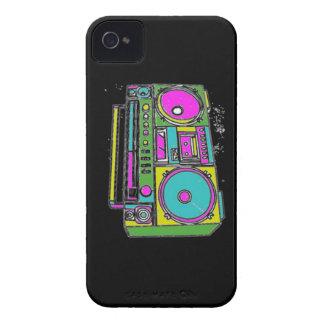 私の携帯用ステレオを聞くことができますか。 Case-Mate iPhone 4 ケース