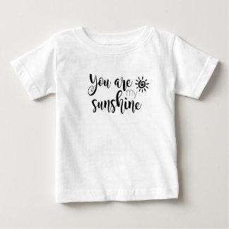私の日光のベビーのティーです ベビーTシャツ