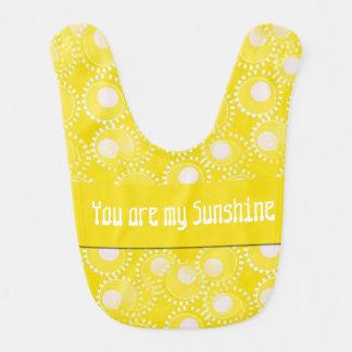 私の日光の明るく黄色いベビー用ビブです ベビービブ