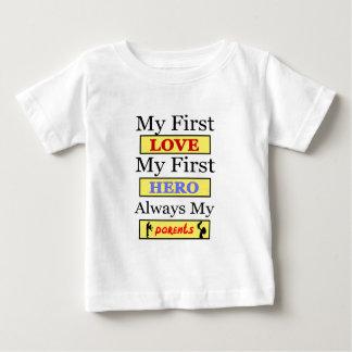 私の最初愛常の私の最初英雄私の親 ベビーTシャツ