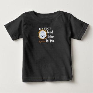 私の最初総日食の2017年のベビーのティー ベビーTシャツ