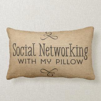 私の枕が付いているバーラップの社会的なネットワーキング ランバークッション
