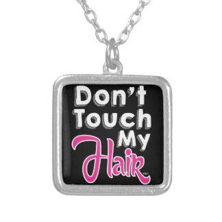 私の毛のネックレスに触れないで下さい シルバープレートネックレス