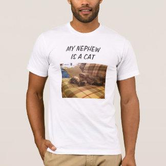 私の甥は猫です Tシャツ