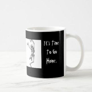 私の皮SKELTONのコーヒー・マグの素早く書き留めること コーヒーマグカップ