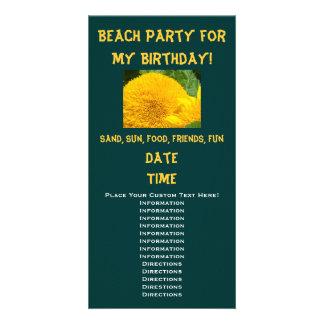 私の誕生日のためのビーチのパーティー! 招待状のヒマワリ カード