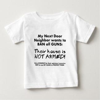 私の隣人はすべての銃を禁止したいと思います ベビーTシャツ