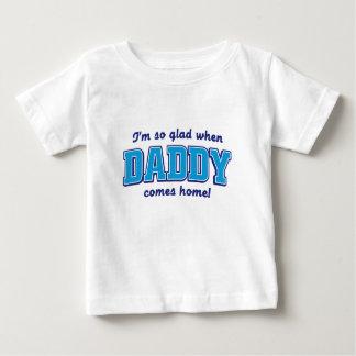 私はお父さんが家に帰るときとても嬉しいです ベビーTシャツ