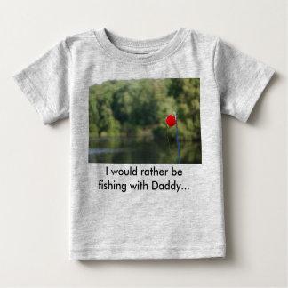 私はお父さんのTシャツによってむしろ採取していました ベビーTシャツ