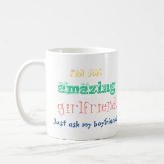 私はすばらしいガールフレンドです。 ちょうど私のボーイフレンドに尋ねて下さい コーヒーマグカップ