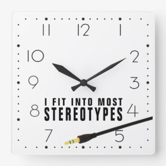 私はほとんどのステレオタイプに合いました スクエア壁時計