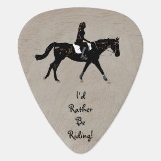 私はむしろ乗馬馬のギターピックです ギターピック