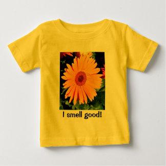 私はよく臭いがします! ベビー ベビーTシャツ