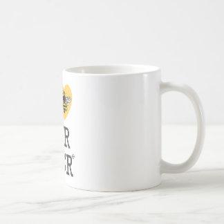 私はより素晴らしいマンチェスターを愛します コーヒーマグカップ