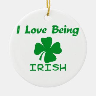 私はアイルランド語であることを愛します セラミックオーナメント