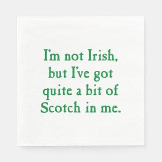 私はアイルランド語-おもしろいなスコットランドウィスキーのしゃれではないです スタンダードランチョンナプキン