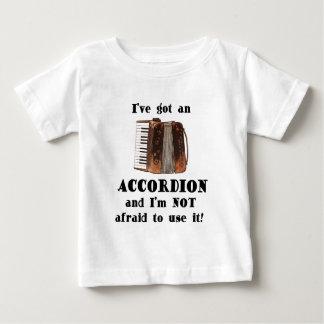 私はアコーディオンを持っています ベビーTシャツ