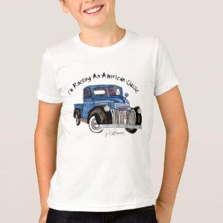 私はアメリカのクラシック- Chevy青いPU --を揺すっています Tシャツ