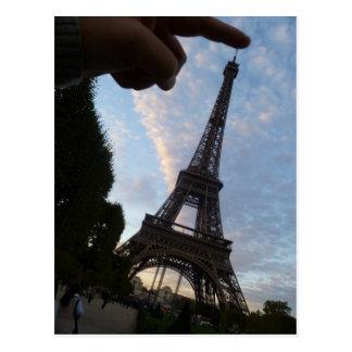 私はエッフェル塔に触れています ポストカード
