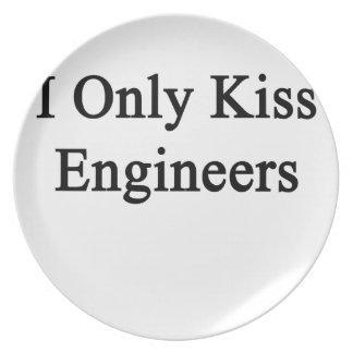 私はエンジニアだけに接吻します プレート