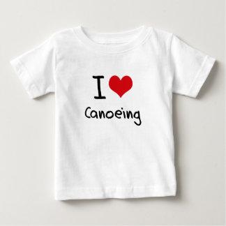 私はカヌーをこぐことを愛します ベビーTシャツ