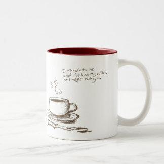 """""""私はコーヒーの前に""""マグ切ります ツートーンマグカップ"""