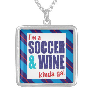 私はサッカー及びワインちょっとGalのジュエリーです シルバープレートネックレス