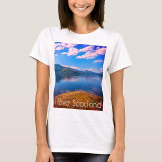 私はスコットランドをLoch Lomondが付いているTシャツ愛します。 Tシャツ