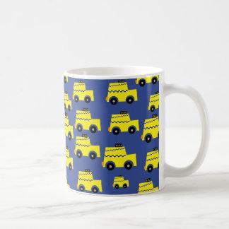 私はタクシー運転手であり、それを愛します! コーヒーマグカップ
