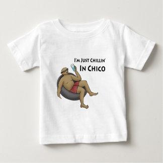 私はチコのちょうどChillinです ベビーTシャツ