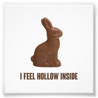 私はチョコレートイースターのウサギの中の空を感じます フォトプリント