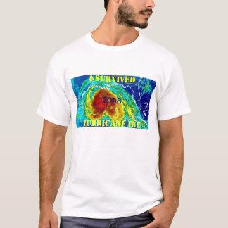 私はハリケーンIKEを生き延びました Tシャツ