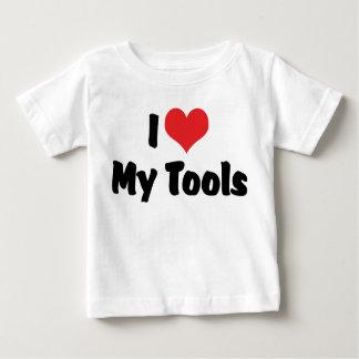 私はハートを私の用具-便利屋の職人建築者愛します ベビーTシャツ