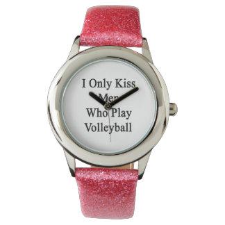 私はバレーボールを遊ぶ人だけに接吻します 腕時計