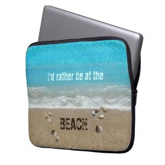 私はビーチにむしろいます ラップトップスリーブ