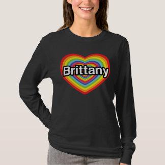 私はブリッタニーを愛します: 虹のハート Tシャツ