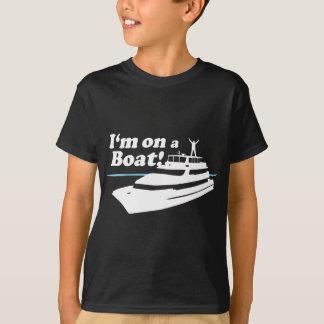 私はボートにあります Tシャツ