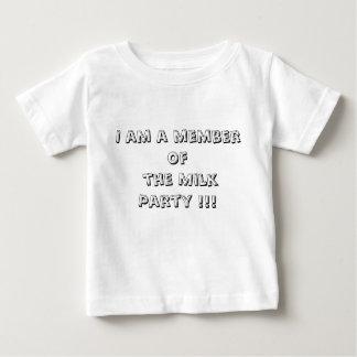 私はミルクのパーティーのメンバー!です!! ベビーTシャツ