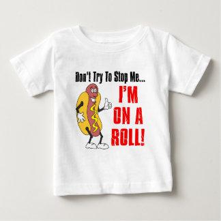 私はロールにあります ベビーTシャツ